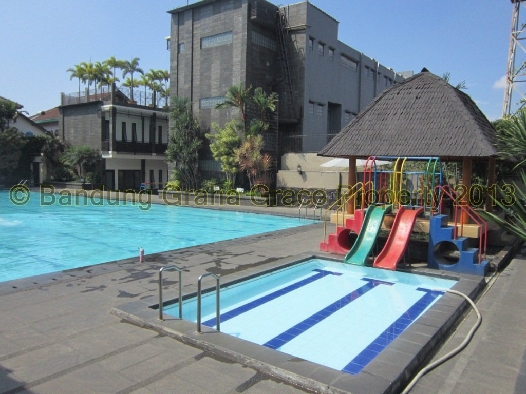 Villa setiabudi cipaku gudang villa sewa villa di for Dekor kamar hotel di bandung